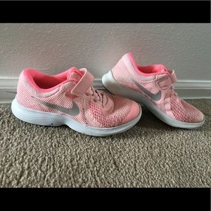 b2bc460ef1 Kids Nike Shoes Girls Size 1 on Poshmark